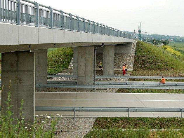 Stavba dálničního úseku z Hulína do Říkovic