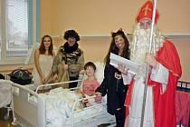 Z mikulášské návštěvy se těšilo 15 dětí.