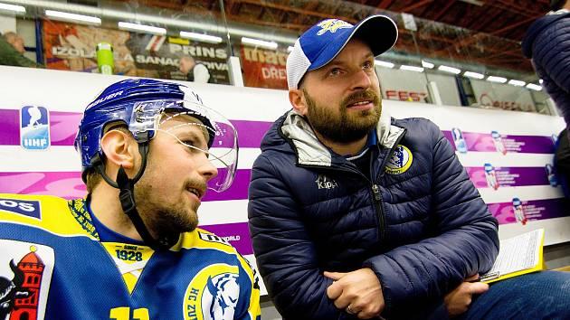 Pavel Haná na přerovské lavičce (vpravo)