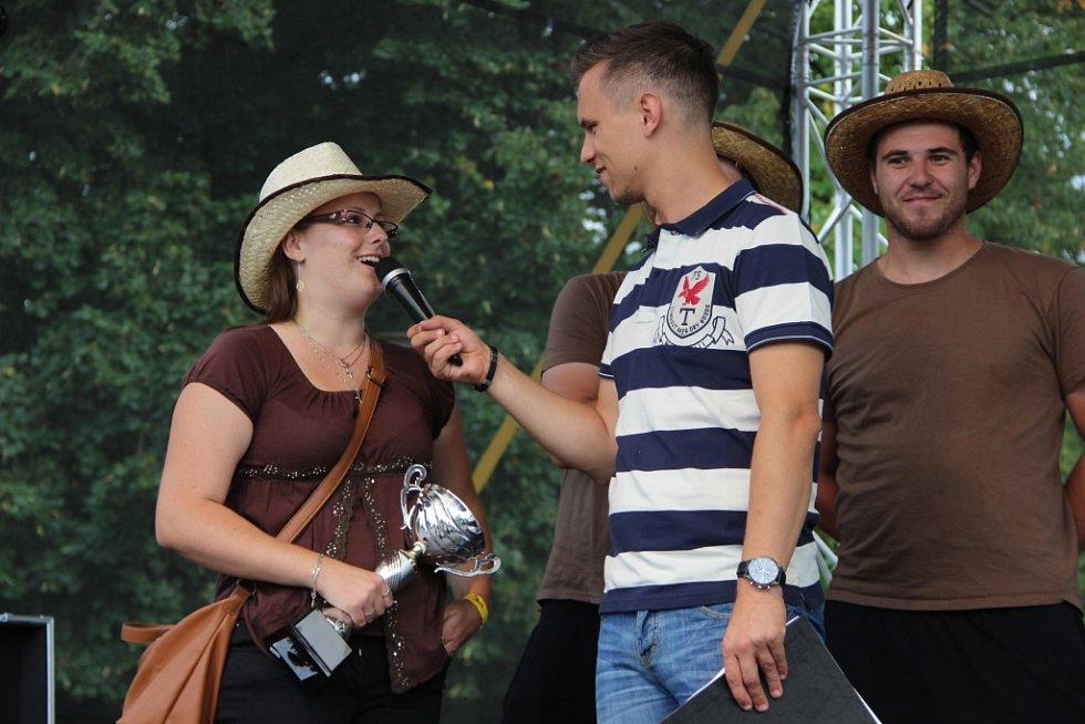Guláš Fest provoněl v sobotu přerovské výstaviště, kuchářům nejlepších pokrmů předal trofej ministr zemědělství Marian Jurečka.