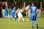 Fotbalisté Všechovic (v bílém) doma proti Kozlovicím (0:1).