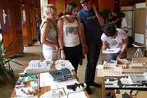 Výstava studentů architektury mapující možnou novou podobu budoucí městské knihovny v Přerově