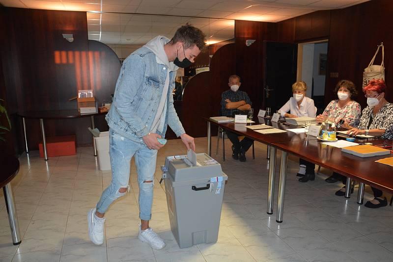 Volby v Rokytnici u Přerova, 8. října 2021
