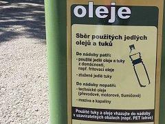 Nádoby na použitý olej. Ilustrační foto