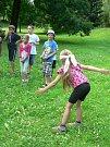 Příměstský tábor klubu Dlažka při hrách v parku Michalov