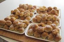 Na cukrářské výrobky se v rodinném podniku Zdeňka Grňi v Dřevohosticích specializují více jak dvanáct let