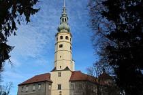 Zámek v Tovačově se Spanilou věží