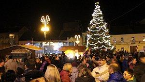 Rozsvícení vánočního stromu v Přerově. Ilustrační foto