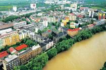 Aby se neopakovala situace z loňského května, kdy se řeka Bečva rozlila z nábřeží do okolních ulic, chtějí radní v těchto místech nechat postavit opěrnou zídku.