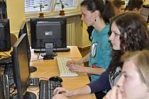 Celostátní soutěž v psaní na klávesnici na Obchodní akademii a Jazykové škole v Přerově