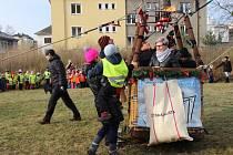 Dopisy Ježíškovi, které napsaly děti z mateřských škol v Přerově, odletěly ve středu z loučky parku Michalov horkovzdušným balonem.