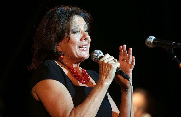 Marie Rottrová. Koncert k 70. narozeninám Jaroslava Wykrenta v Městském domě v Přerově