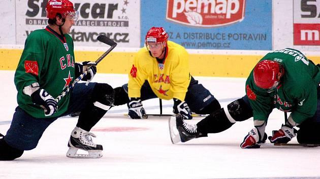 Hokejisté ruského Petrohradu na treninku v Přerově
