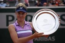 Linda Nosková s trofejí