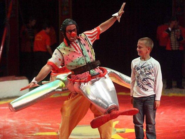 Celým programem Cirkusu Humberto bude provádět klaun Mr. Georg