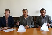 Podpis dohody o koaliční spolupráci v Přerově mezi zástupci hnutí ANO, ODS a KDU-ČSL s TOP 09
