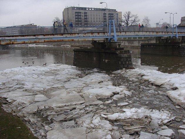 Roztátý led na Bečvě