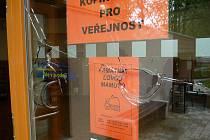 Informační centrum v Předmostí, které bylo loni na podzim slavnostně otevřeno, poničil teprve jedenáctiletý vandal.