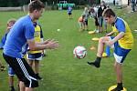 Sigma na tréninku s mladými fotbalisty. Ilustrační foto
