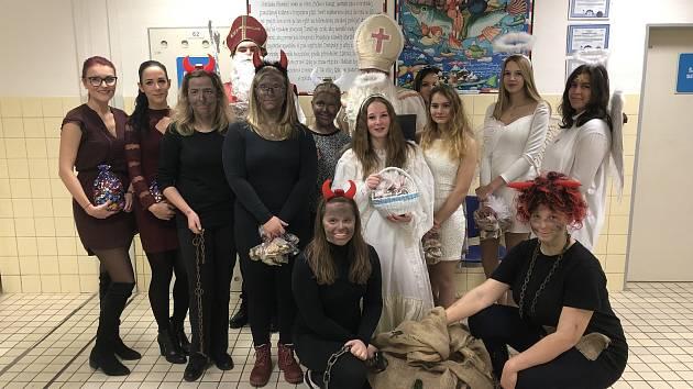 Mikuláš navštívil v nemocnici děti i seniory