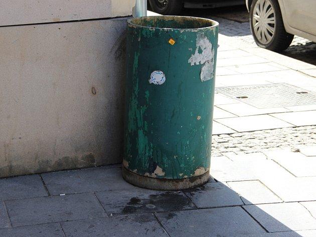 Okolí Městského domu vPřerově příliš čistotou nezáří