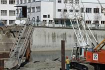 Stavba Tyršova mostu přes řeku Bečvu