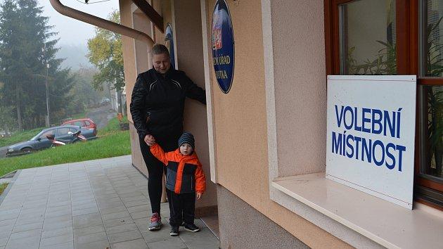 Volby v nejmenší obci na Přerovsku - Lhotce