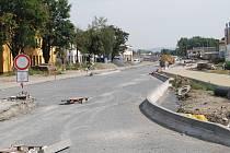 Polní ulice v Přerově - stavební práce na mimoúrovňovém křížení v Předmostí