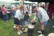 Zubrfest včetně mistrovství republiky ve vaření kotlíkových gulášů. Ilustrační foto