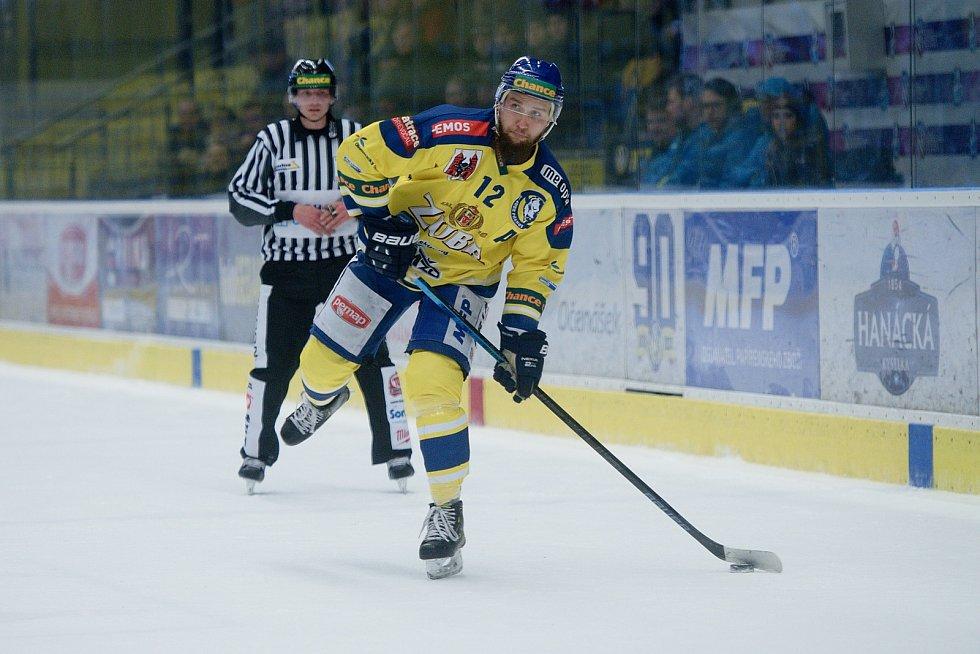 Hokejisté Přerova (ve žlutém) doma porazili Litoměřice 3:1. Mikuláš Zbořil