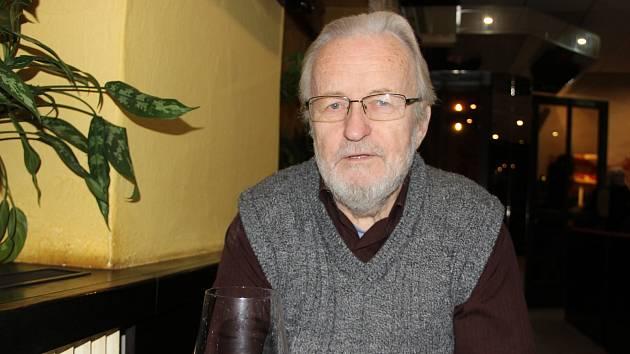 Tomáš Hradílek se po ukončení hladovky zúčastnil v pondělí 27. listopadu debaty v Lipníku nad Bečvou.