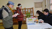 Druhý den byl o prezidentské volby v Přerově. Takto se volilo v okrscích v mateřské škole Lešetínská u hřbitova a v budově Základní školy Svisle.