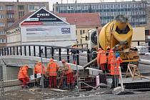 Stavba Tyršova mostu v Přerově - druhá polovina února 2012