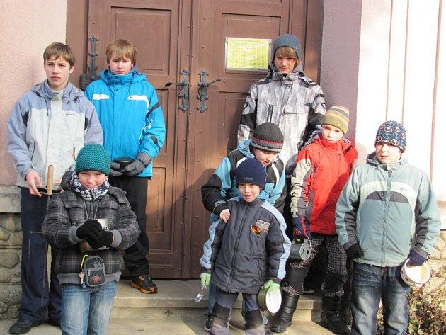 Na Blažejskou koledu se vydali v neděli chlapci z Dluhonic u Přerova. Tento starý zvyk se dochoval v jediné obci na Moravě.