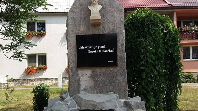 Brodek u Přerova se pyšní opraveným památníkem. Opravy přišly na 70 tisíc