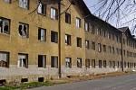 Březen 2014. Chátrající Škodova ulice v Přerově jako zázemí pro bezdomovce a obří smetiště