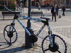 Na přerovském náměstí TGM mohli kolemjdoucí obdivovat zajímavé makety jízdních kol, které tam vystavili studenti Gymnázia Jakuba Škody.