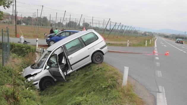 Nehoda dvou aut mezi obcemi Čechy a Prusy