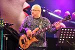 Slovenský basista Josef Fečo s projektem Young Gipsy Generation.