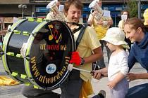Holandská dechovka ze spřáteleného města Cuijk se ve čtvrtek odpoledne postarala Přerovanům o zábavu.