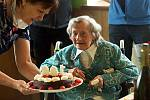 106. narozeniny Anny Sedláčkové v Domově pro seniory v Radkově Lhotě