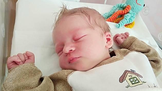 Jonáš Czislinský, Bochoř, narozen 17. června 2019 v Přerově, míra 50 cm, váha 3320 g