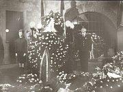 Snímky přerovského fotografa Františka Totha z pohřbu Jana Palacha.