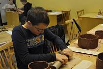 Velikonoční keramika zlákala do budovy Atlasu v Přerově během jarních prázdnin děti i dospělé.