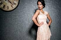 Nikola Buranská oblékne na Miss Earth šaty od přerovské návrhářky Sandry Švédové