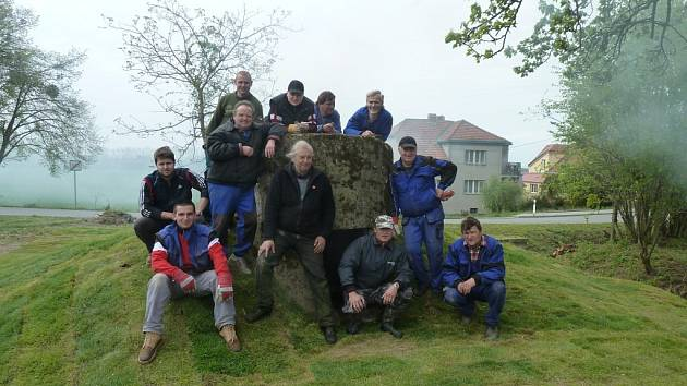 Betonový kulometný obranný objekt typu Kochbunker vystavili v Sušicích