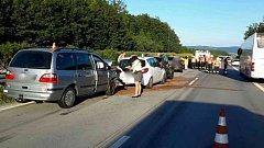 Hromadná nehoda šesti vozidel, při které se zranilo pět lidí, se stala v pátek po osmnácté hodině na dálnici D1 u Dolního Újezdu na Přerovsku.