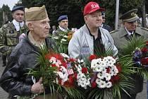Pietní akty k 70. výročí největší letecké bitvy na konci války se konaly v Troubkách a v Rokytnici