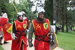 Řinčení mečů se rozléhalo během soboty parkem ve Veselíčku. Třetí ročník akce Dobývání Moravské brány měl jasné téma – vladaře Karla IV. Milníky z jeho života rozdělené do scének mohli návštěvníci vidět během celého dne.