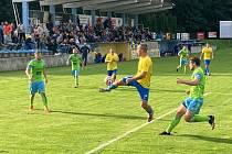 Derby mezi Kozlovicemi (ve žlutém) a Hranicemi.